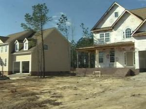 Stacey Dailey and Carlise Billings contracted with Richland Homes in September 2006.