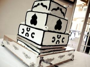 Bride Kristen Halpern-Morgan was disappointed when her baker delivered this cake.