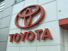 Toyota tells dealers parts on way to fix pedals