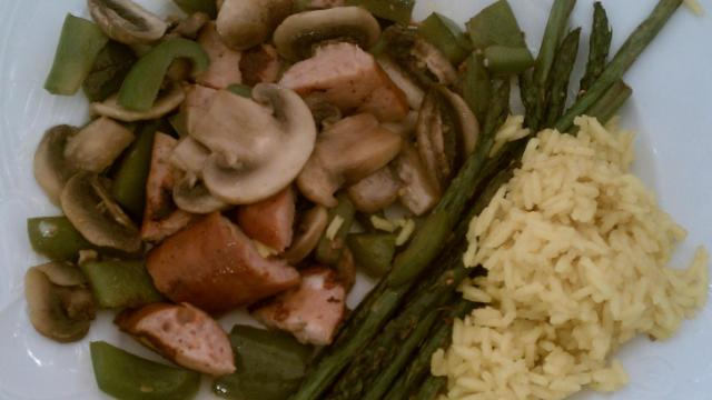 Chicken sausage with asparagus, rice and sauteed veggies
