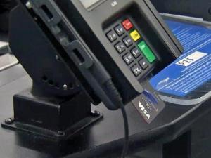 Despite increased security, most shoppers have no patience for chip-enabled cards