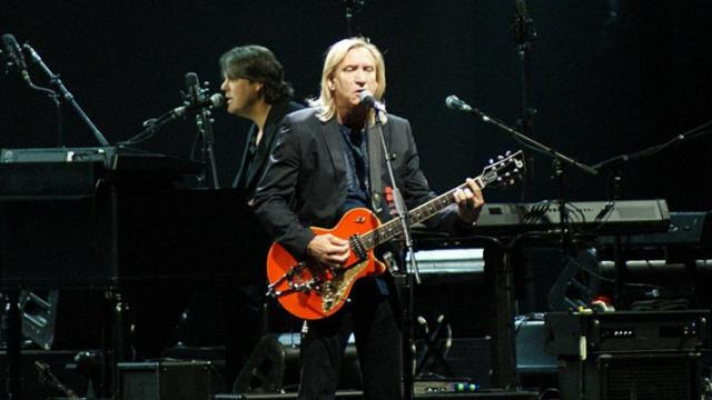 Vocalist/guitarist Joe Walsh of The Eagles. (Photo by Dave Sweeney)