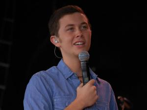 """In between songs, Scotty McCreery answered fan questions and talked about life after """"American Idol."""""""