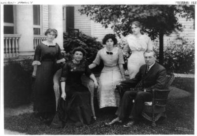 President Woodrow Wilson with his wife and children. (Courtesy of Pach Brothers, New York (1912)/Library of Congress Prints and Photographs Division [LC-USCZ62-88078]) (Deseret Photo)