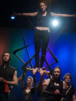 Henry V (on Trapeze) (Photo by The Right Image Photography, Inc.)
