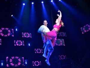 Scott J. Campbell (Tunny) and Nicci Claspell (The Extraordinary Girl) in AMERICAN IDIOT (Image courtesy of American Idiot The Musical)