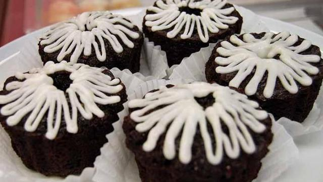 A look at Big Bundts and More, 5504 Durham-Chapel Hill Boulevard in Durham. They mainly sell bundt cakes.
