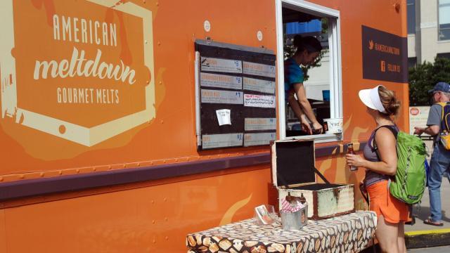 American Meltdown serves up breakfast for shoppers