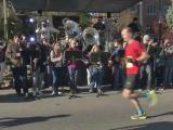 Music, cheers encourage Rock 'n' Roll runners