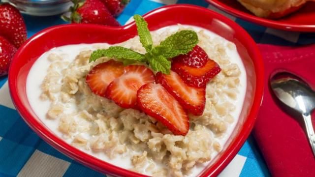 Can you say easy -- and healthy? Treat yourself and your family to these easy, healthy, gourmet breakfast bowl. (Deseret Photo)