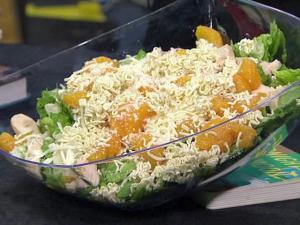Chinese Chicken Salad (Recipe courtesy of the Southeast United Dairy Industry Association)
