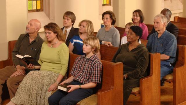 Weekly attendance at worship services was shown to reduce the risk of suicide in a new study. (Deseret Photo)