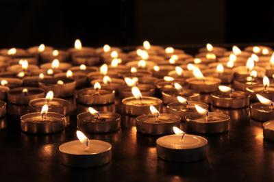 Memorial candles (Adobe) (Deseret Photo)