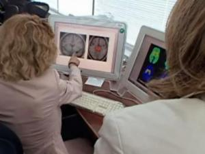 A recent study compared the dopamine reward pathway in the brains.