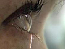 Special contact lenses help dry eyes