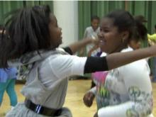 Garner kids 'jump' to help classmate