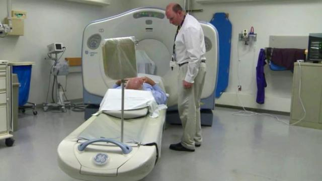 Duke radiologist urges caution in using CT scans to screen for lung cancer