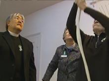 Newtown church rings bell for Sandy Hook victims