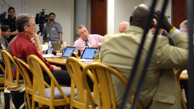 Wake school board discusses school calendar options