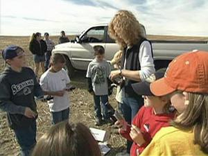 University of Washington researcher Karen Dvorinch brings fourth graders from Waterville Elementary out in the field to track down the Phrynosoma Doulgasii, better known as the horny toad lizard.