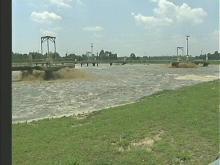 Massive Spill Sends Filth into 2 Creeks