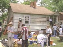 For some people, Christmas can also come in April. Nine Raleigh homes heard sounds on their roofs on Saturday, but it was not from reindeer. It was the Christmas in April community project spreading joy.(WRAL-TV5 News)