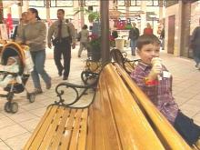 As you look for gifts in your favorite department stores, it is important to make sure thieves do not find you first.(WRAL-TV5 News)