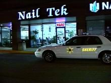 Deputies Look for Suspects in Nail Salon Robbery, Shooting