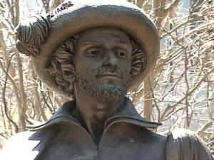 The Sir Walter Raleigh statue that had stood on the Fayetteville Street Mall prior to its reopening is now languishing in a Ohio warehouse.