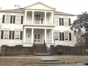 Women's Club Embroiled in Racial Controversy