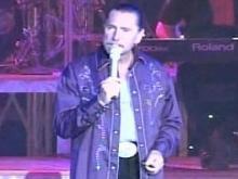 Theater Records Show Parton Spent Money on Alcohol, Vegas Shows