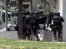 Hostage situation at lingerie store ends peacefully