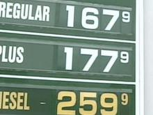 Economists concerned over low gas prices