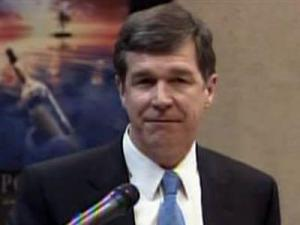 Attorney General Roy Cooper gave the keynote address at Military Saves Week at Pope Air Force Base on Feb. 23, 2009.