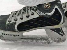 Women's ice hockey team hits the rink