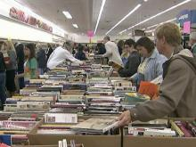 Crowds hit Wake County library&#039;s book sale