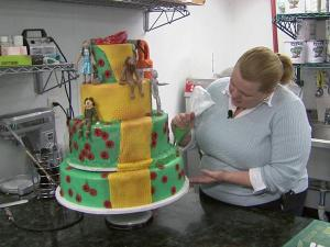 Katrina Ryan, owner of Sugarland Bakery, volunteered to bake a Wizard of Oz cake for the Varsity Theatre's opening night.