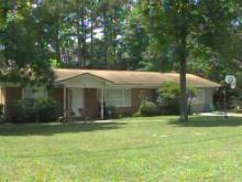Fayetteville homeowner shoots intruder