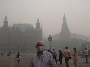 Curt Woodall, of Cary, stands outside the National Museum in Moscow. Smoke from hundreds of wildfires has covered the Russian capital. (Photo courtesy of Curt Woodall)