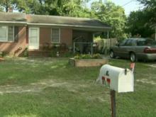 Deputies: Baby sitter allowed sex-offender boyfriend to live with her