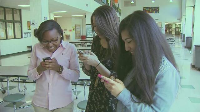 Students teach each other about responsible social media practices