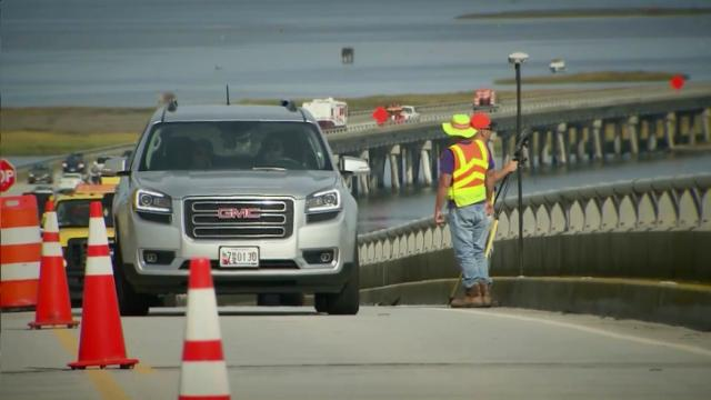 Work begins on Bonner Bridge across Oregon Inlet