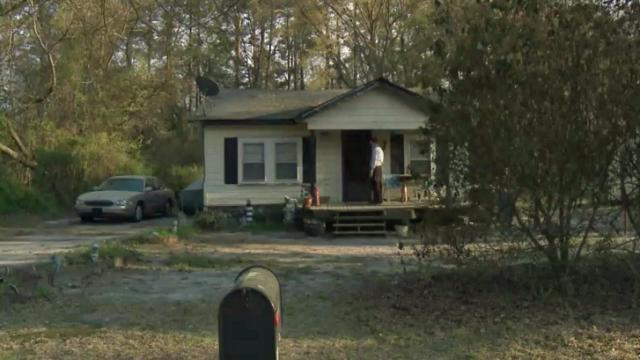2 homes searched for clues to Locklear's disappearance