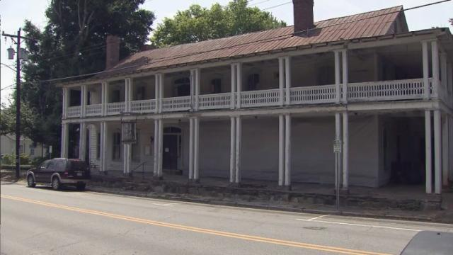 Colonial Inn in Hillsborough
