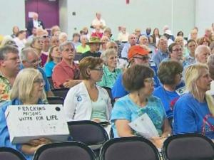 Hundreds meet to discuss fracking