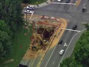 Sinkhole opens up on Hammond Road