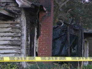 Man dies in Sampson County house fire