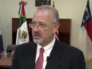 Javier Diaz, Mexico conul general