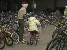 Fayetteville man gives record number of bikes