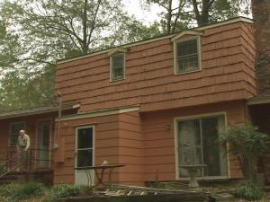 Kenneth Lewis and several other men told Robert Britt in March that his house needed work.